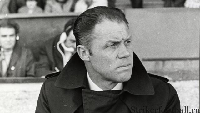 Ринус Михелс был тактическим гением, чьи футбольные познания помогали получить в «Аяксе» максимум отдачи от колоссально одаренного поколения голландских игроков.