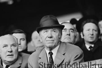 Сэр Матт прошел с командой через все успехи и невзгоды — от трагедии в Мюнхене до триумфа в Лиссабоне. Дорога, ведущая на «Олд Траффорд» названа в его честь.