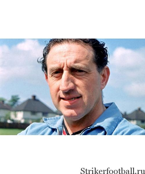 Гарри Каттерик работал тренером «Эвертона» в течение 12 лет. Хотя его команде улыбнулась удача в серии послематчевых пенальти был приверженцем подобного способа выявления победителя.