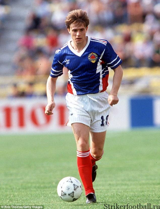 Драган Стойкович, одна из футбольных звезд Югославии 1992 г. Он играл за Югославию в других международных соревнованиях.