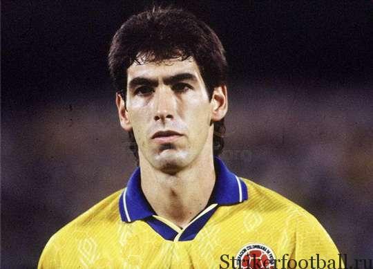 А ведь именно Эскобара колумбийские фанаты любовно называли «El Caballero del Futbol» («Рыцарь футбола»).