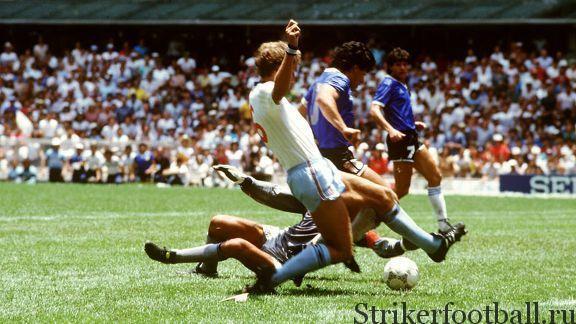 Гениальный Марадона обманывает Шилтона, уходит от бросившегося в ноги Бутчера и забивает, вероятно, самый феноменальный гол в истории футбола.